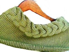 Horseshoe Cable Scarf, Green Tunisian Crochet Cable Cowl gift by Knit Blossom feoteam