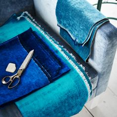 A heavy weathered velvet which achieves bold colour, and a finish that balances, creating an altogether sumptuous, luxurious, and timeless.