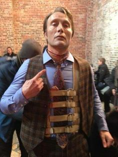 "I love his expression… Behind the scenes of HANNIBAL 2x12 ""Tome Wan"""