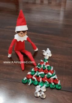 Elf On The Shelf Ideas - KAinspired - - Are you looking for easy and creative Elf on the Shelf Ideas and scenarious so you can keep the magically christmas Traditions? Elf On The Self, The Elf, Awesome Elf On The Shelf Ideas, Elf Ideas Easy, Elf On The Shelf Ideas For Toddlers, Elf Auf Dem Regal, Naughty Elf, Holiday Fun, Holiday Decor