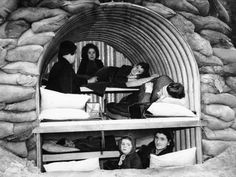 An Anderson shelter fitted with bunks to hold four adults and four children, Oct. Women In History, World History, Survival Hunter, Anderson Shelter, Water For Elephants, War Photography, Classic Photography, Vintage Photography, The Blitz