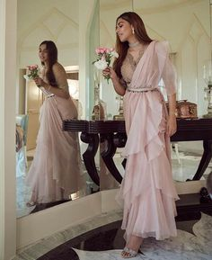 Party Wear Indian Dresses, Indian Wedding Gowns, Indian Gowns Dresses, Indian Fashion Dresses, Indian Designer Outfits, Indian Outfits, Designer Dresses, Indian Attire, Pakistani Outfits