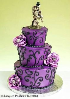 Amazing gothic wedding cake, change to red rather than purple, keep black filigree