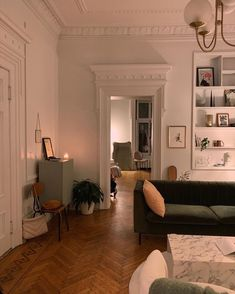 Home Decor Habitacion .Home Decor Habitacion Living Room Decor, Living Spaces, Dog Spaces, Living Rooms, Dream Apartment, Paris Apartment Interiors, French Apartment, Aesthetic Rooms, Decoration Design
