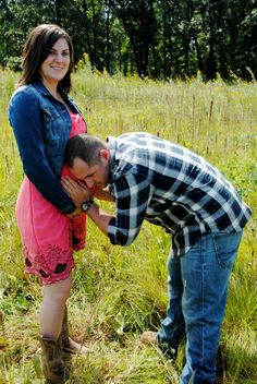 Country theme pregnancy photo