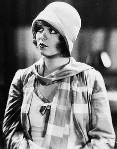 Clara Bow.. I want that hat