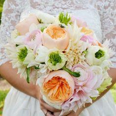 Romantic Garden Bouquet by Birke Photography #WeddingFlowers #Bouquet #GardenRoses #FloralArtistry via floralartvt.com