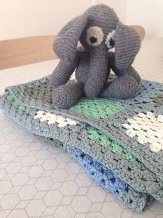 Blanket and an elephant for a little new one.. #baby #gift #crochet #blanket #grannystyle #elephant #amigurumi