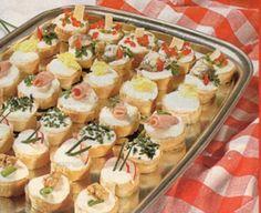 ZÁKLADNÍ KRÉM: 100g měkkého tvarohu, 2 lžíce zakysané smetany, sůl S KOPREM: přidáme trojúhelníček taveného sýra a lžíci nasekaného kopru S ČESNEKEM: přidáme hrst sekaných vlašských ořechů a 3 stroužky drceného česneku SE ŠUNKOU: přidáme 100g drobně nasekané šunky (šunk.salámu) a lžíci strouhaného křenu S PAPRIKAMI: přidáme 100g tav.sýra,1 malou nasekanou cibuli, drobně nakrájenou papriku S ŘEDKVIČKAMI: přidáme svazek nastrouhaných ředkviček, 1 lžíci sekané pažitky SE SARDINKAMI: přidáme…