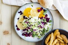 Plate of citrus salad - Cultura RM/Magdalena Niemczyk - ElanArt/Collection Mix: Subjects/Getty Images