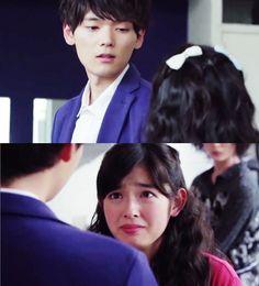 """Naoki: """"Tú no necesitas a Kotoko. Soy el único que la necesita. Solo puedo ser yo mismo cuando estoy con Kotoko"""". Kotoko se acerca a él: """"¿En serio, Irie-kun?"""". Naoki: """"Sí, ni siquiera conocía esas cosas hasta que Kinnosuke me lo dijo. Él fue corriendo a buscarme.  No puedo creer que se sintió así por 6 años. Es increíble"""". Kotoko sollozando: """"Irie-kun ¿Yo…yo…realmente puedo estar a tu lado?"""". Naoki sonriendo: """"¿No acabo de decir eso?""""- Itazura na Kiss Love in Tokyo 2, Episodio 7"""