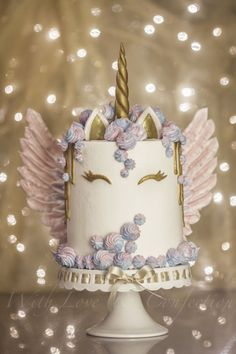 Unicorn Drip Cake with Meringue Wings - Cake by Veronica Arthur of With Love & Confection. My version of the ever so popular Unicorn cake with meringue kisses and MERINGUE WINGS! White chocolate drip painted in gold luster. Cake is 4 layers of unicorn swi Pretty Cakes, Cute Cakes, Beautiful Cakes, Amazing Cakes, Nake Cake, Unicorn Birthday Parties, Cake Birthday, Unicorn Party, Unique Birthday Cakes