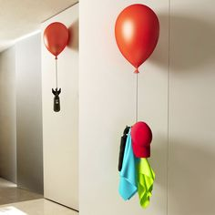 Balloon hanger