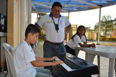 Vacacionales 2015 GAD Municipal Pasaje taller de música con Segundo León en Aquapark. Alcalde Arq. César Encalada Erráez trabaja por la cultura.