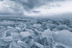 THE 2014 HOT LOCATION AWARD - ICELAND: BAS MEELKER