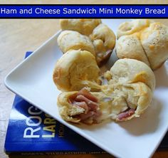 Ham and Cheese Mini Monkey Bread Sandwiches #freezer #recipes. Too much work to stuff, just mixed it all n a bowl and put.in muffin tins