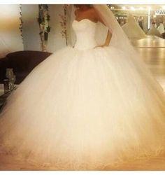 White-Heavy-Beaded-Ball-gown-Wedding-Dresses-Floor-length-Tulle-Bridal-Gowns