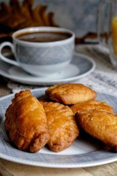 Τυροπιτάκια με γιαούρτι - Just life Pretzel Bites, Bread, Food, Brot, Essen, Baking, Meals, Breads, Buns