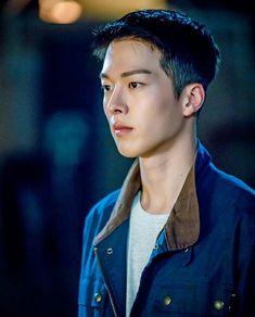 Jang Ki-yong is Chae Do-Jin in the Korean drama (Kdrama) Come and Hug Me. The live recap is on Drama Milk. Korean Drama, Drama Korea, Asian Actors, Korean Actresses, Actors & Actresses, Korean Men, Asian Men, Jong Hyuk, Park Hae Jin