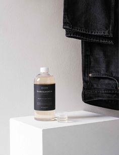 """Flüssigwaschmittel Dunkles & Denim """"Steamery Oud Wood"""" 750 ml Denim, Wood, Jackets, Fashion, Calcium Chloride, Dryer Balls, Textiles, Down Jackets, Moda"""