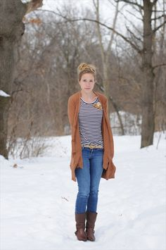 Need the brown sweater...thank you Pinterest for teaching me how to dress!!