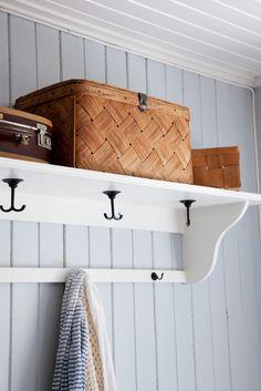 Huset i Lunden: Reportasje i Lev Landlig House Inspiration, House Interior, Inspiration, Cottage Decor, Home, Swedish House, Storage, Home Deco, Home Decor