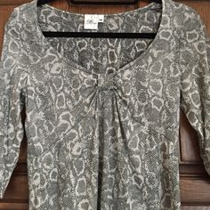 Snakeskin Print Top NWOT Darling Reptilian Print!  Easy, flattering style.  Never worn!  50% Cotton/50% Polyester.  Washable per instructions.  Very soft! Maringue Tops Tees - Short Sleeve