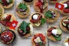 Pizzette with minipic Menu, Mexican, Yummy Food, Switzerland, Ethnic Recipes, Baking, Travel, Kitchens, Menu Board Design