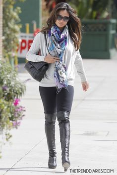 Vanessa Lachey Over the Knee Boots Vanessa Minnillo, Winter Looks, Autumn Winter Fashion, Fall Winter, Fashion Models, Fashion Styles, Beauty Trends, Who What Wear, Celebrity Style