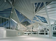 moneo brock studio: glass pavilion in cuenca, spain. structure articulates form with directional steel trusses