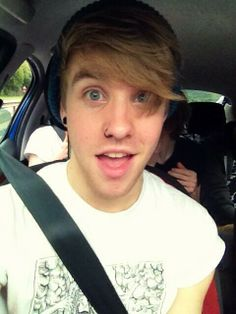patty walters why are you so perfect? I briefly met you in a club, (although it was brief), you are still one of the sweetest and most genuine people I've ever met... You are amazing!! <3 <3 <3