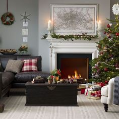 Christmas decorating ideas | traditional living room | tartan fabric | living room | PHOTO GALLERY | Ideal Home | Housetohome