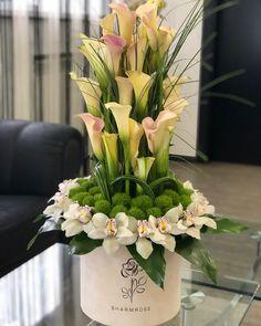 Captivating Choosing Your Wedding Flowers Ideas. Remarkable Choosing Your Wedding Flowers Ideas. Altar Flowers, Home Flowers, Church Flowers, Funeral Flowers, Table Flowers, Bridal Flowers, Spring Flowers, Creative Flower Arrangements, Flower Arrangement Designs