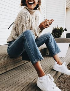 Lifestyle choices! This knitted sweater, jeans and sneakers combo is classic and so cool. | Trendy outfit ideas for stylish women.