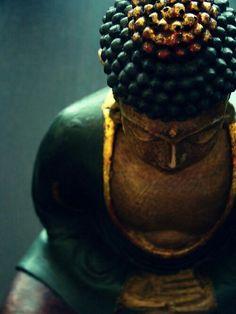 Med·i·ta·tion Temp·ta·tion- Inner, outer peace through yoga, food, and meditation. Zen Meditation, Sitting Meditation, Namaste, Art Zen, Little Buddha, Buddha Zen, Buddha Peace, Buddha Buddhism, Qigong