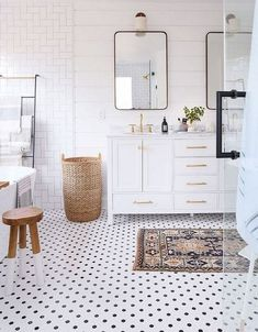Bathroom decor for the bathroom remodel. Learn bathroom organization, master bathroom decor suggestions, master bathroom tile tips, master bathroom paint colors, and much more. Minimalist Bathroom Design, Modern Master Bathroom, Classic Bathroom, Bathroom Interior Design, Small Bathroom, 50s Bathroom, White Bathrooms, Bathroom Black, Master Bathrooms