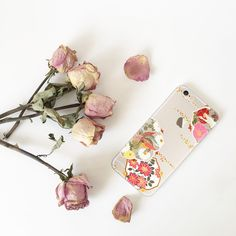 In full #bloom.#spring Tap the link in our bio to shop this. #phonecase