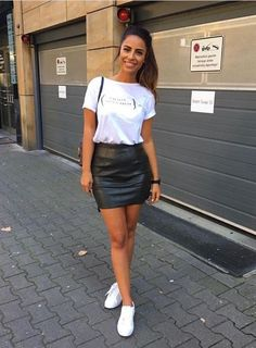 Leather Skirt Outfit Ideas Collection t shirt with leather skirt leather skirt outfit ideas Leather Skirt Outfit Ideas. Here is Leather Skirt Outfit Ideas Collection for you. Leather Skirt Outfit Ideas t shirt with leather skirt leather skirt. Mode Outfits, Fashion Outfits, Womens Fashion, Fashion Ideas, Club Outfits, School Outfits, Fashion Trends, Fashion Boots, Fashion Tips