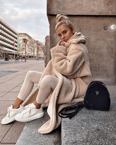 152c6412196616 All Nude Cosy Winter Autun STyle Ideas Outfit Inspo Teddy Coat Neutral  Outfit Street Style