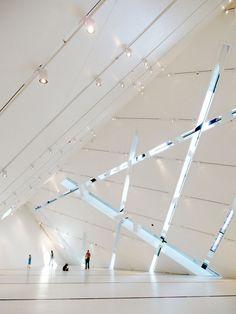 http://www.topboxdesign.com/wp-content/uploads/2011/02/Royal-Ontario-Museum-design-Interior-.jpg