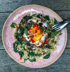 Fried Eggs with Tamarind and Quinoa cali rice Tamarind Sauce, Cauli Rice, Cauliflower Rice, Jasmine Hemsley, Food Now, Sour Taste, Hidden Veggies, Fresh Coriander