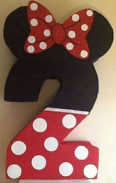 Número 2 de minnie mouse roja