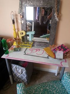 DIY:: Old table turned into Vanity Table
