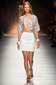 Blumarine - Spring 2015 Ready-to-Wear - Look 4 of 45