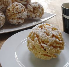 traditional german snowball pastry from Rothenburg #germanrecipes #authenticgerman