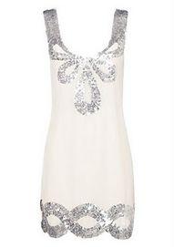 little white dress: versatile option for any pre-wedding festivities