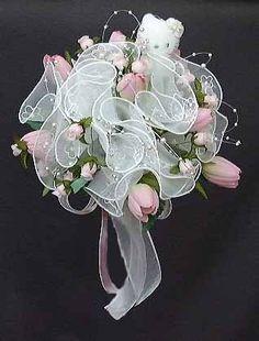 For a Hello Kitty Wedding: Hello Kitty boqet :) Bridal Wedding Dresses, Wedding Themes, Wedding Bouquets, Wedding Styles, Wedding Flowers, Wedding Stuff, Wedding Ideas, Dream Wedding, Wedding Inspiration