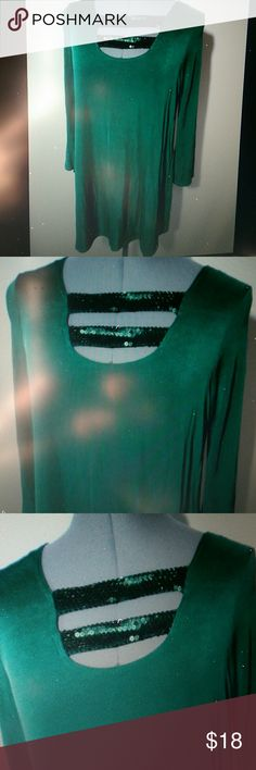 """Macy's SLINKY BRAND Sequin Ladder Top S Green Individual monitors may display slightly different colors or hues...?  NEW WITH TAGS-  (some are tagged inside at the bottom by the fabric tag)  SLINKY BRAND for Macy's Sequin Tunic  TAG SIZE:? XS, S or M BUST: XS-32 S-36"""" M-40""""? LENGTH: 28-30"""" from the top of the shoulder down Sequin embellished ladder strap front Sequined keyhole strap in back as well Scoop u-shaped neckline Acetate blend, hang beautifully! Stretch fit 3/4 sleeveVariety of…"""