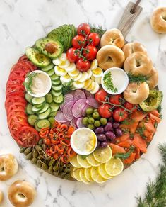 This Lox and Bagel Platter recipe is featured in the Brunch at Home feed along with many more. Breakfast And Brunch, Breakfast Platter, Perfect Breakfast, Bagel Bar, Party Food Platters, Cheese Platters, Smoked Salmon Platter, Lox And Bagels, Charcuterie And Cheese Board