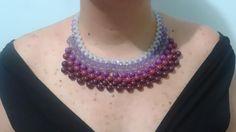 Colar entrelaçado com contas em degradê de lilás, magenta e roxo